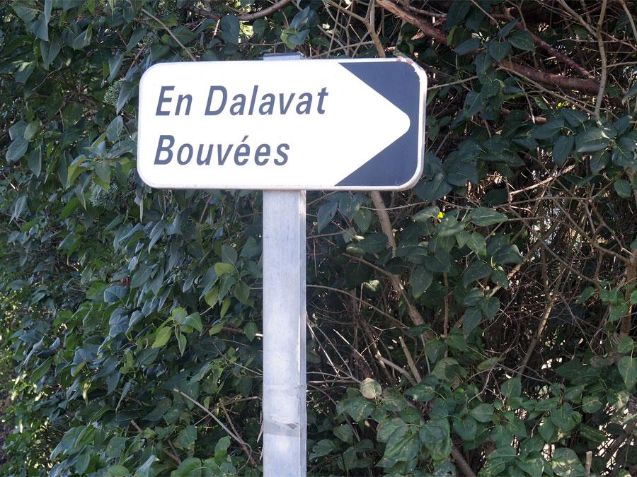 Compter 1mn, prendre à droite direction En Dalavas, Bouvées